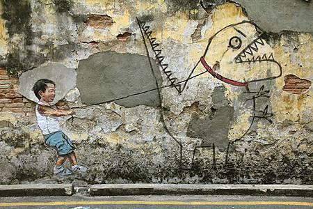 Ah-Quee-Street-Art-Dinosaur