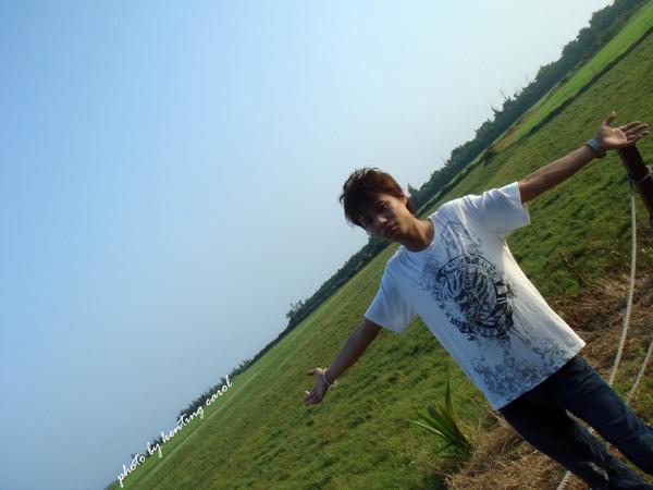 有藍藍的天跟大大的草原.jpg
