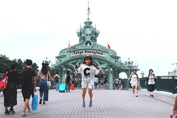 迪士尼入口.jpg