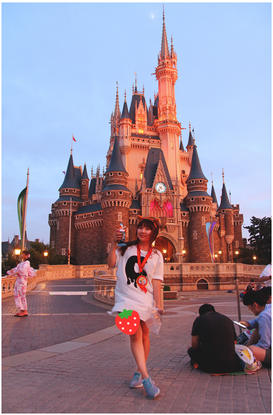 晚上城堡.png