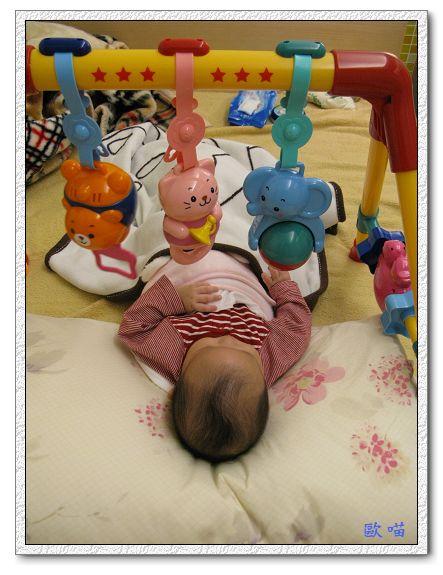 小妞第65天-24玩玩具.jpg