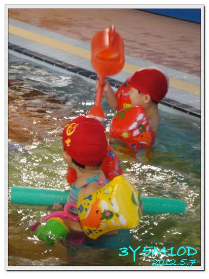3Y05M10D-游泳課01