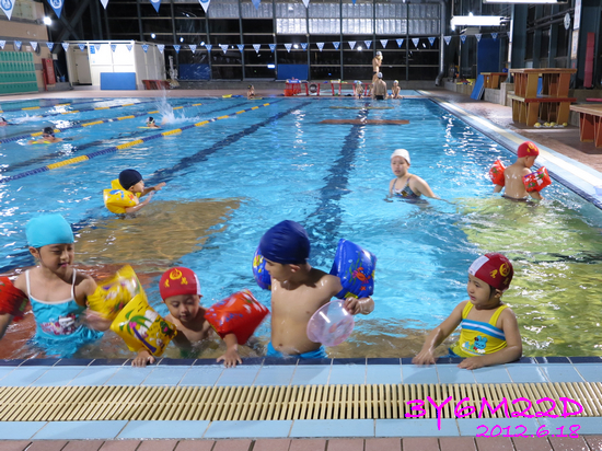 3Y06M22D-游泳課L16-01