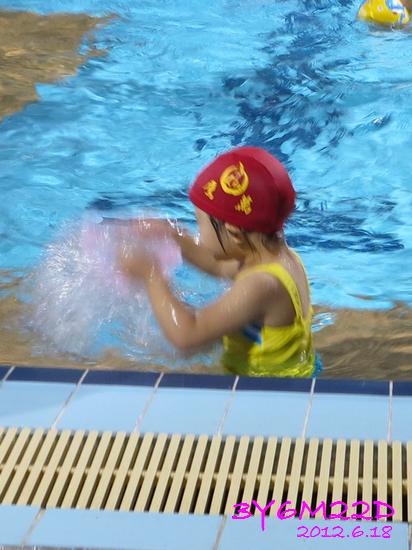 3Y06M22D-游泳課L16-02