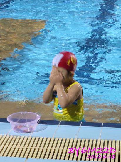 3Y06M22D-游泳課L16-04