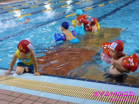 3Y06M22D-游泳課L16-05