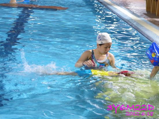 3Y06M22D-游泳課L16-15