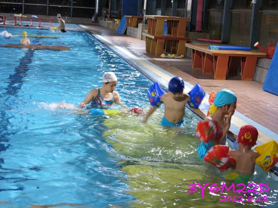 3Y06M22D-游泳課L16-16