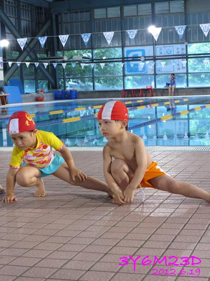 3Y06M23D-游泳課L17-14