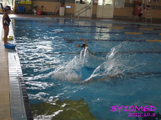 3Y10M06D-游泳課L39-04