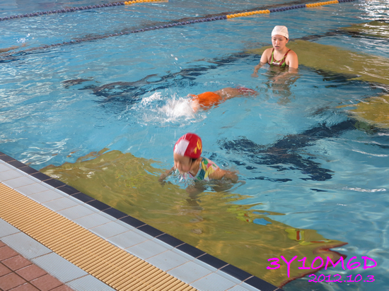 3Y10M06D-游泳課L39-11