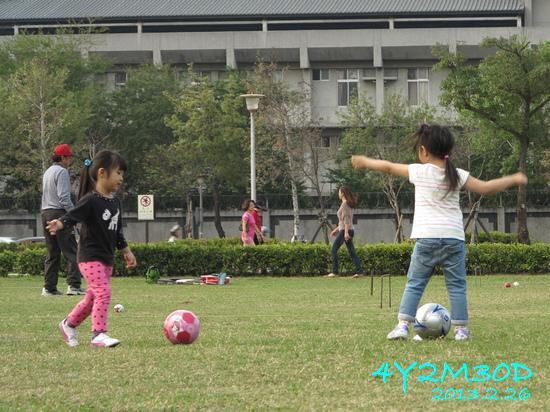 4Y02M30D-足球課04.jpg
