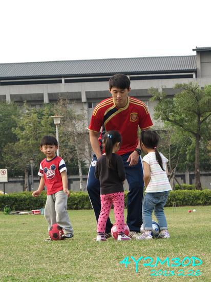 4Y02M30D-足球課06.jpg