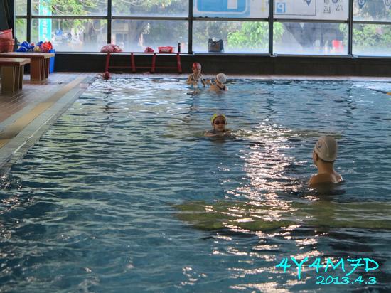 4Y04M07D-游泳課16.jpg
