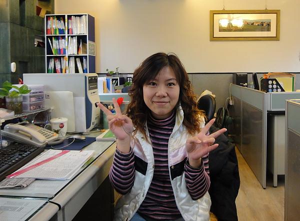 靜子在辦公室.jpg