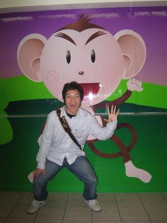 老鼠硬要裝猴子