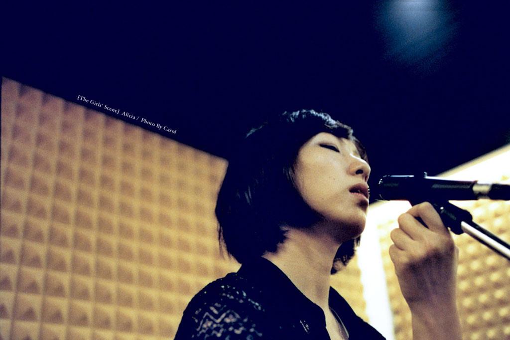 girl_01.jpg