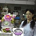 蘿漾專任老師黃明華-2013蛋糕協會3月gateaux盃蛋糕技藝競賽-職業組糖花裝飾比賽第一名作品