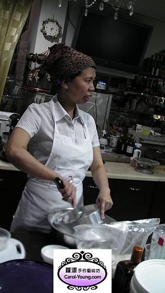 烘培培訓人型裝飾(葡萄磅蛋糕)