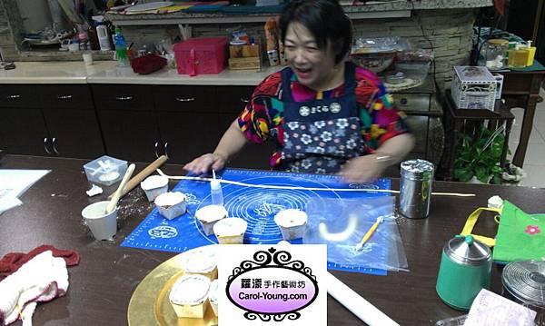 學生楊麗霞-製作生日蛋糕+杯子蛋糕-201304