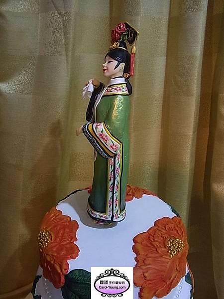2013年5月11日台灣蛋糕協會舉辦母親節蛋糕比賽,莊老師作品