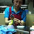 培訓學員王亭鈞-可愛人形禮物創作證書-201305-進行中