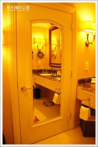 Venetian Hotel (45).jpg