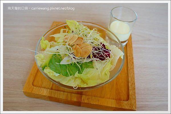 Pear Cafe (15).JPG