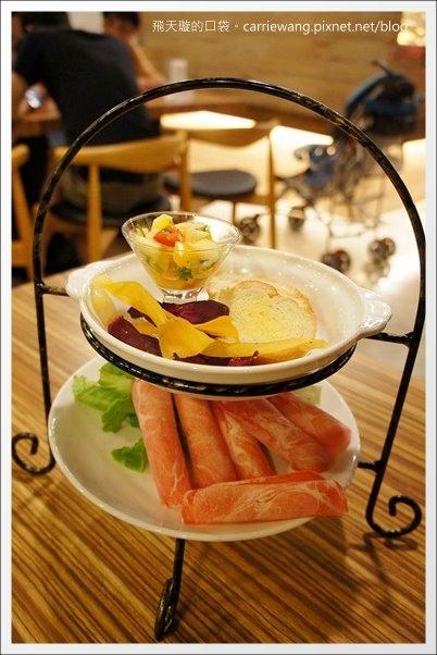 La Vie Cafe (21).JPG