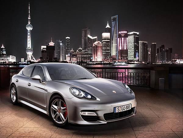 Porsche Panamera (1).jpg