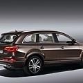 Audi Q7小改款-車尾_規格配備以實車為準.jpg