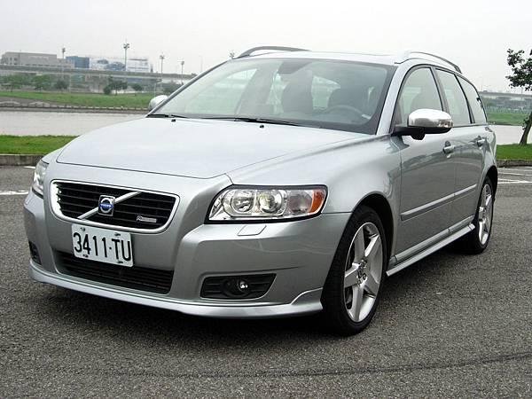 Volvo V50 R-Design.jpg