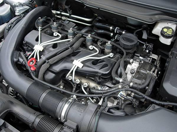 Volvo V50 R-Design (2).jpg