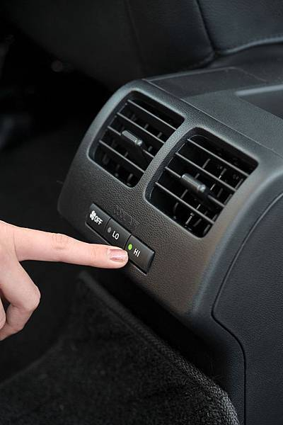 2009 Ford i-MAX (6).JPG