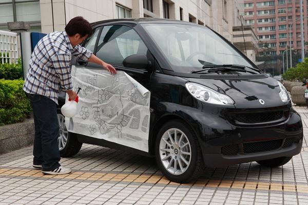 smart 限量特仕車採用3M車體彩繪專用膠膜(施工圖二).JPG