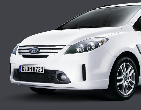 09年式Ford i-Max-車頭.jpg