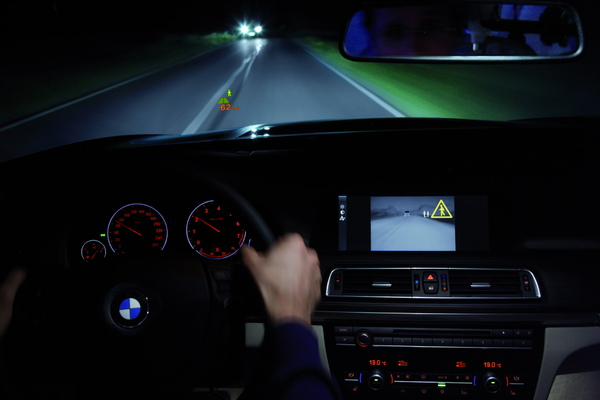 全新第二代BMW夜視系統.jpg
