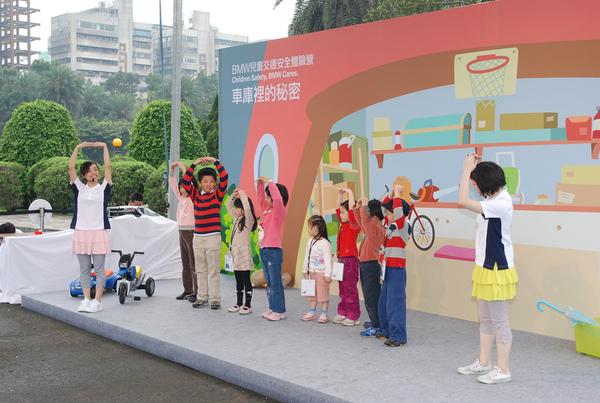 2008BMW兒童交通安全體驗營活動盛況-2.jpg