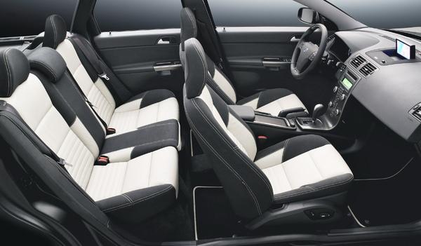 09年式Volvo V50 D5 (2).jpg