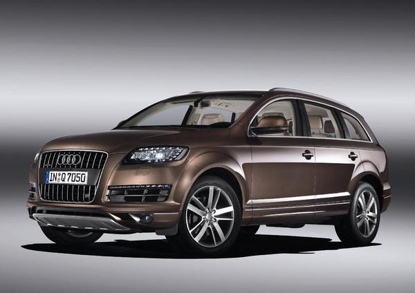 Audi Q7小改款-車頭_規格配備以實車為準.jpg