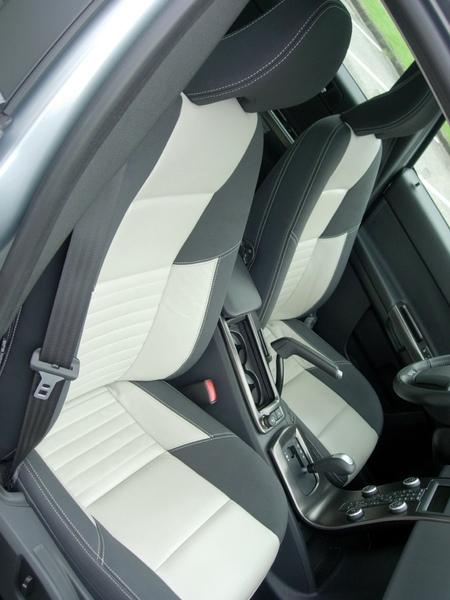 Volvo V50 R-Design (4).jpg