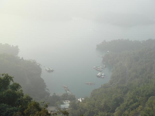 慈恩塔看下來的湖景