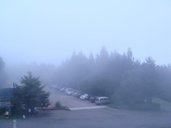 從我們的房間看停車場