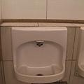 別以為這是小便斗  這是洗手台