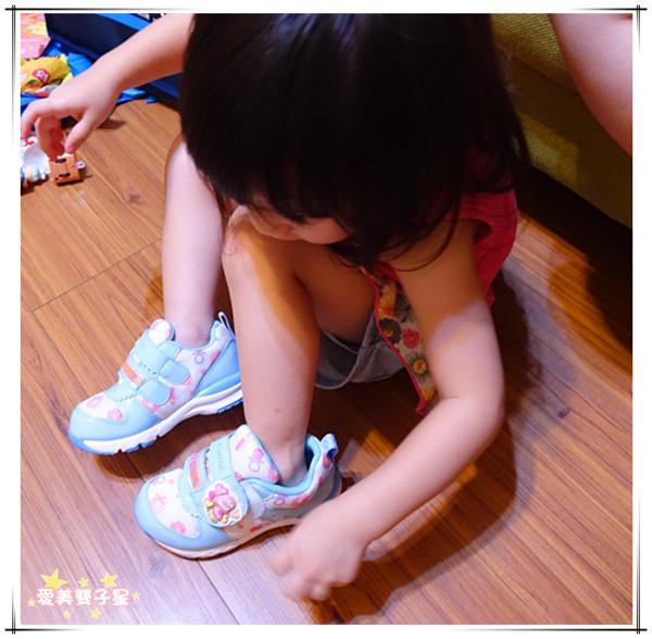 日本兒童機能鞋14.jpg