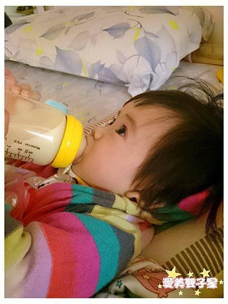 親餵瓶餵母乳03.jpg