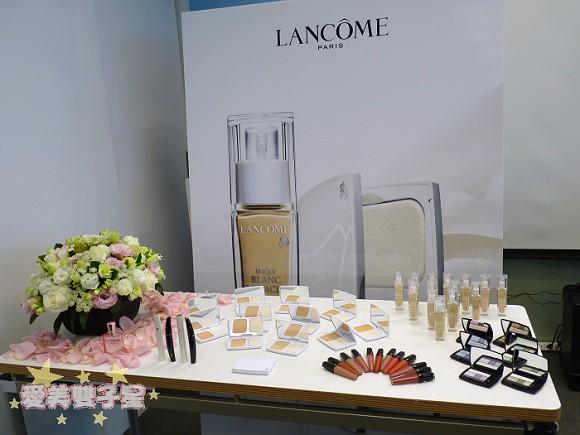 lancome瞬白嫩粉餅01.jpg