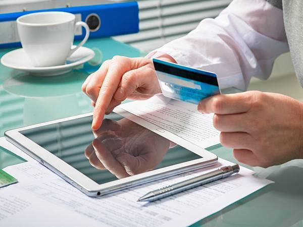 周轉融資急用調度信用卡換現金便利選擇