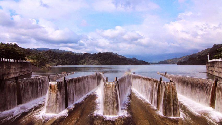 鯉魚潭瀑布2
