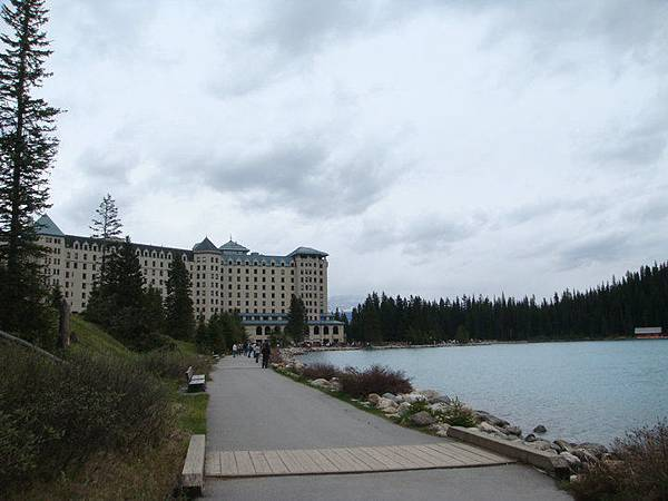 Lake Louise 4.jpg